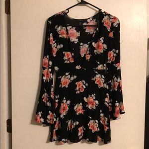 Forever 21 black floral tunic sz S
